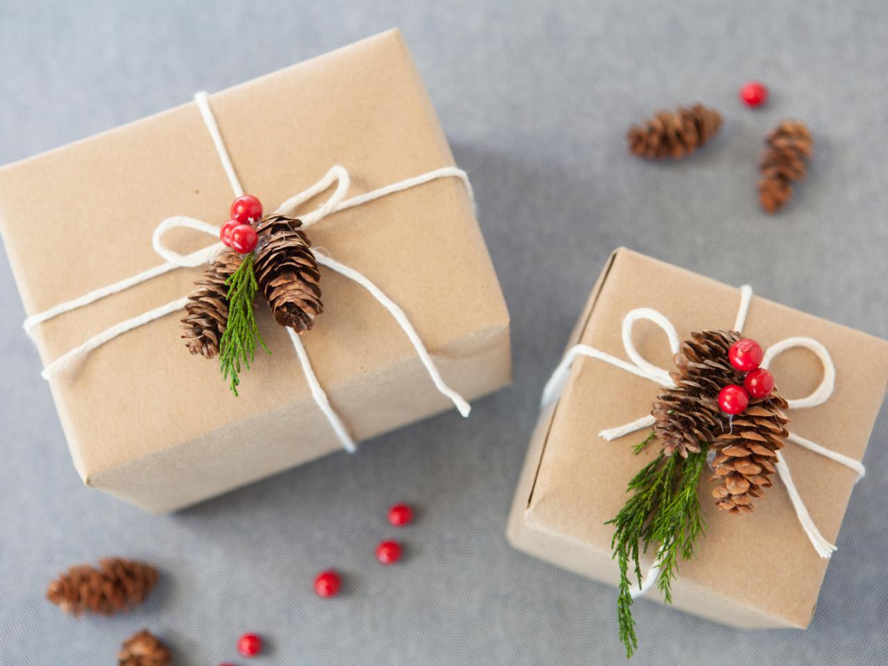 Как украсить коробочки для подарков своими руками