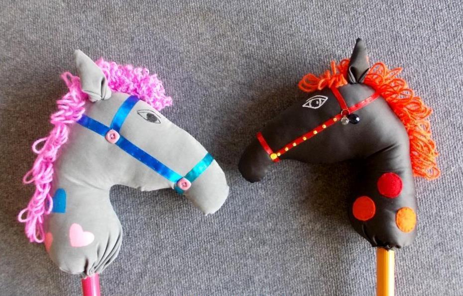 Игрушки для лошадей своими руками 13